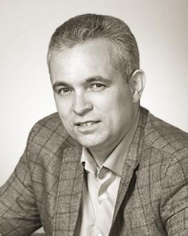 Роман Земцов